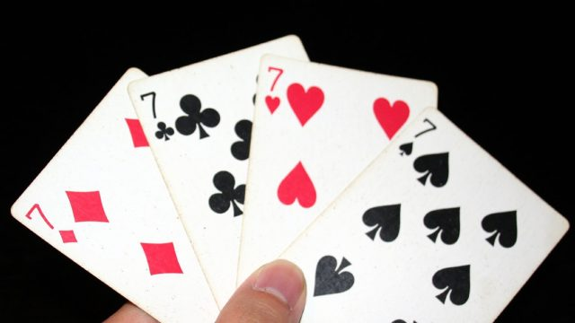 https://bazikoosh.com/wp-content/uploads/2021/01/7_playing_cards-640x360.jpg