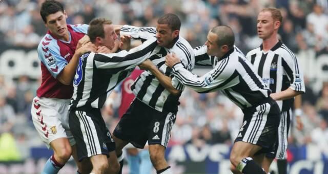 مبانی نظری بازی: تعامل درون تیمی (درگیری معروف بازیکنان نیوکاسل با یکدیگر در فصل 2004-2005 که منجر به اخراج هر دو نفر شد)